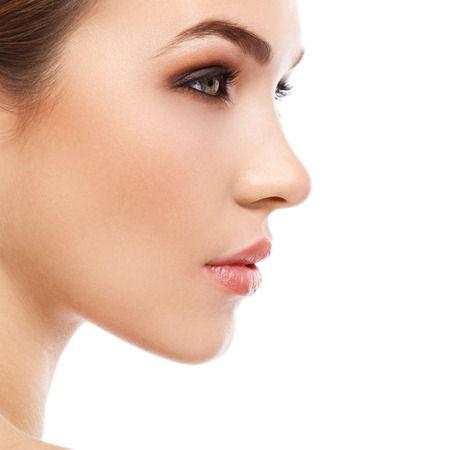 Un approccio olistico per il volto dalla medicina estetica