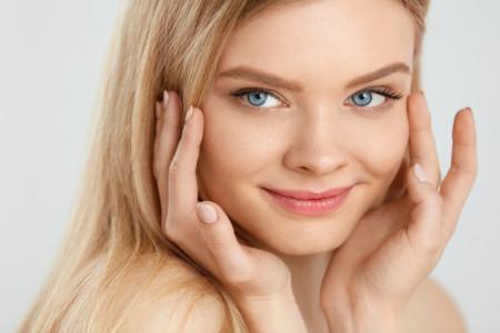 Per ringiovanire il viso è meglio il botox o l'acido ialuronico?