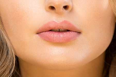 Lip lift. Parola d'ordine: naturalezza