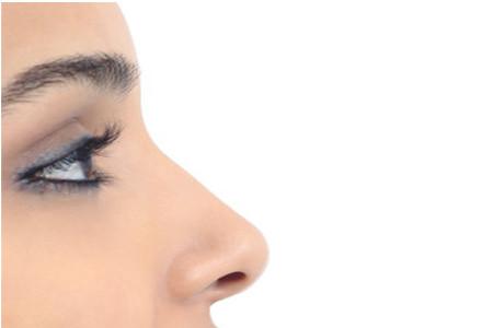 Voglio rifarmi il naso: cosa devo sapere?